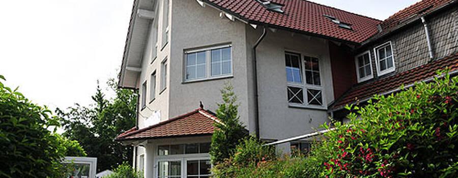 Beispiel: Vorderseite, Foto: AKZENT Hotel Hahnenkamp.