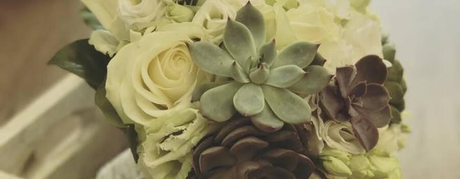 bouquet de mariée avec succulentes