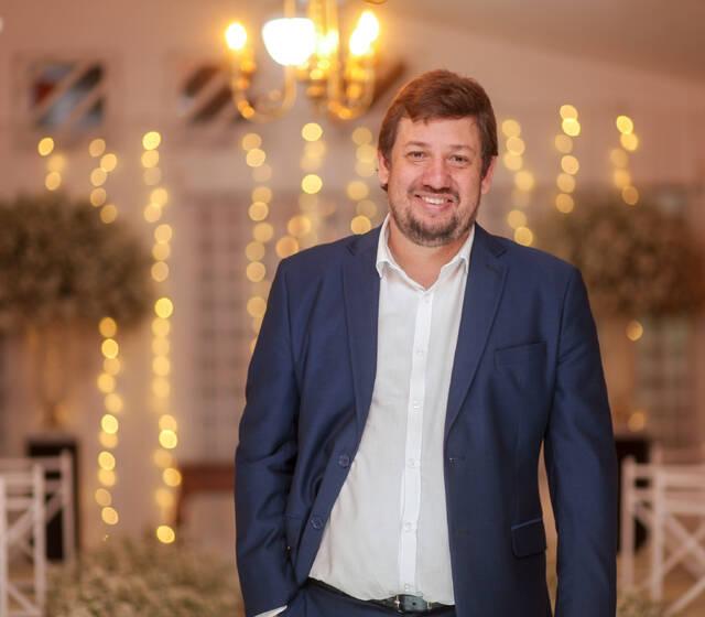 Filósofo Casamenteiro - Celebrante - Casamento Laís & Lurian