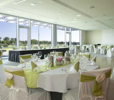 Beispiel: Hochzeitsgedeck, Foto: Atlantic Hotel Galopprennbahn.