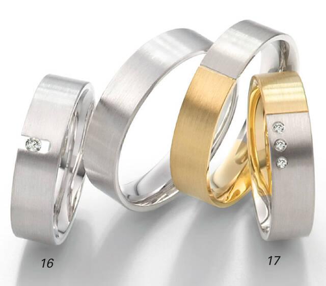 Beispiel: Große Auswahl an Ringen, Foto: Goldvitrine - Goldschmiede Leucht.