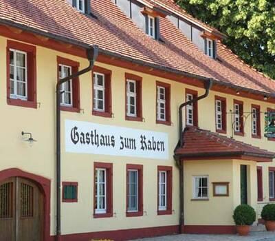 Beispiel: Vorderseite, Foto: Gasthaus zum Raben.