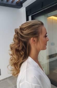 MUAH by Neuza Anjos Hairstylist