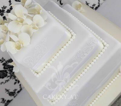 Beispiel: Wunderschöne Hochzeitstorten, Foto: Rita The Cakery.