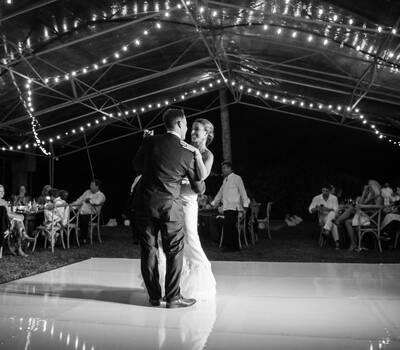 Newlyweds primer baile - Zoetry Paraiso de la Bonita - Wacho Espinosa Photograph