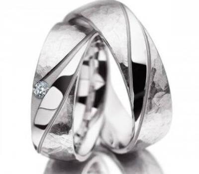 Beispiel: Eheringe, Foto: Juweliere Ellert.