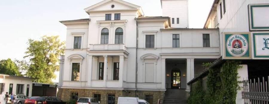 Beispiel: Vorderseite, Foto: Weisse Villa.