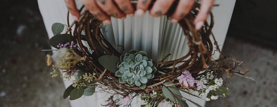 Bouquet a ghirlanda con succulente