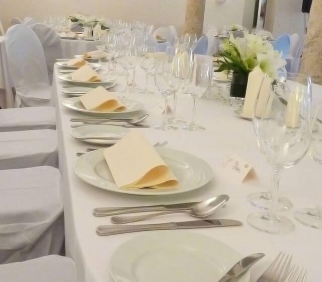 Beispiel: Außergewöhnliches Gesamtkonzept, Foto: Die Hochzeitsgestalter.
