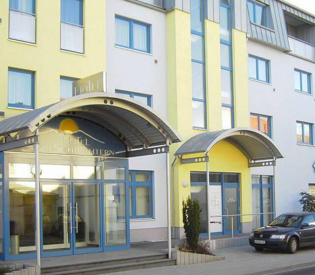 Beispiel: Vorderseite, Foto: AKZENT Hotel Stadt Schlüchtern.