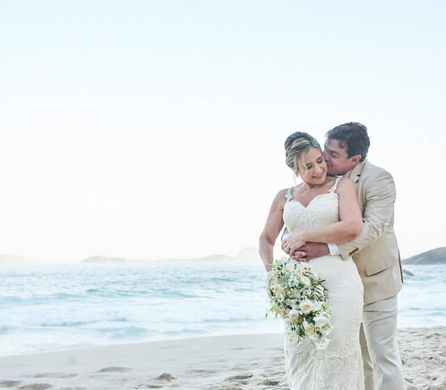 Casamento de Dia Ao ar Livre na Praia