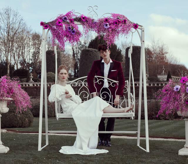 French Antique Wedding - Balancelle