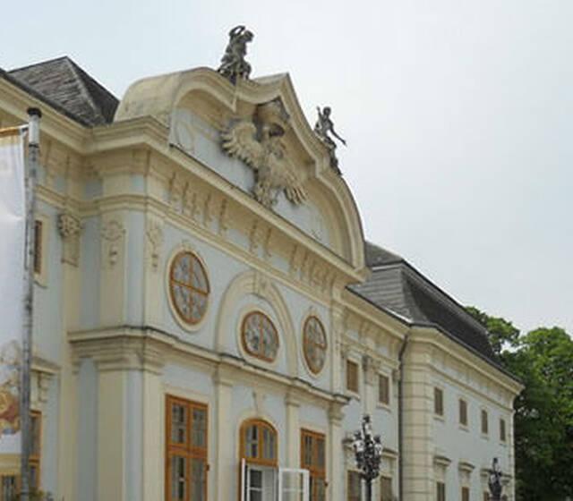 Beispiel: Schloss Halbturn, Foto: Hotel Restaurant Knappenstöckl.