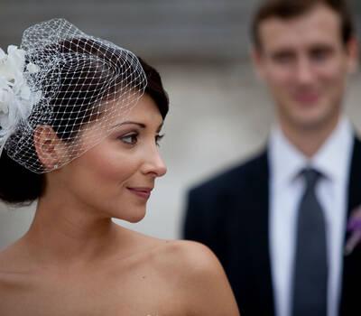 Beispiel: Brautstyling, Foto: Hochzeitsstyling Hair & Make-up by Jestina Schamberger.