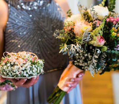Suporte alianças e bouquet Foto por Instante Fotografia