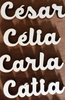 Nomes Noivos em madeira