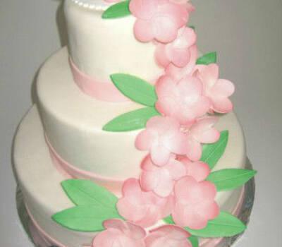 Beispiel: Hochzeitstorte, Foto: Confiserie Freya.