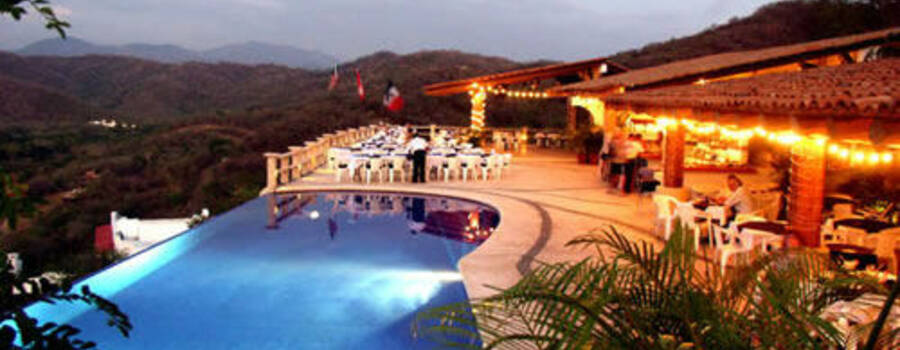 Restaurante La Escollera para que celebres tu boda en Zihuatanejo