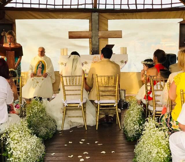 Nuestra hermosa capilla para bodas católicas / Our beautiful chapel for Catholic weddings