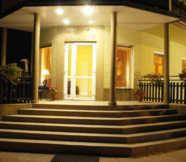 Hotel pod Różami, Jedlnia Letnisko