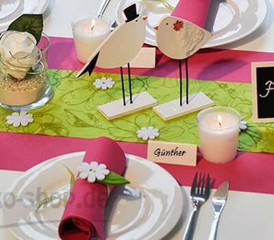 Beispiel: Tischdekoration in Pink und Grün, Foto: Tischdeko-Shop.de.