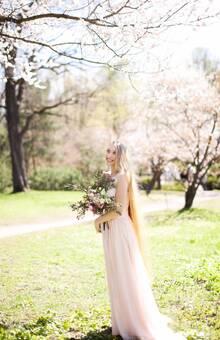 Gardens of Tenderness: невеста Оля  Фото: Маша Лебедева MUAH: Мария Кураева Букет: Mermaid Art Платье: Look Factory