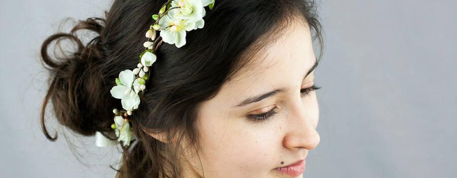 Couronne de fleurs de mariée ivoire et verte, très délicate et nature ! Faite main