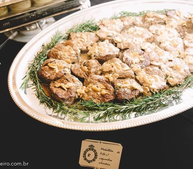 Medalhão c/ ragu de cogumelos silvestres