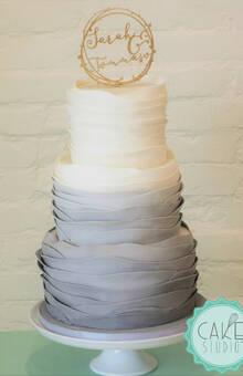 wedding cake nelle sfumature del grigio