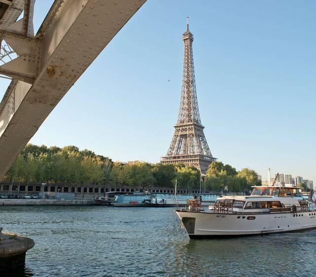 Yacht N°2 sur la Seine