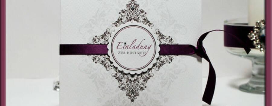 Beispiel: Einladungskarte, Foto: Adam & Eva Hochzeitskarten.