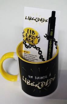 Conjunto Liberdade - caneca, caneta e crachá