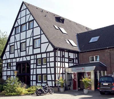 Beispiel: Vorderansicht, Foto: Der Lennhof.