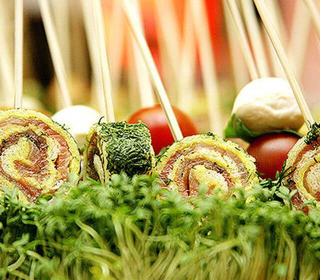 Beispiel: Gesunde Küche kunstvoll angerichtet, Foto: Select Catering.