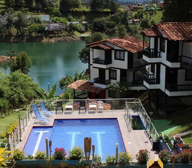 Hotel Campestre El Volcán