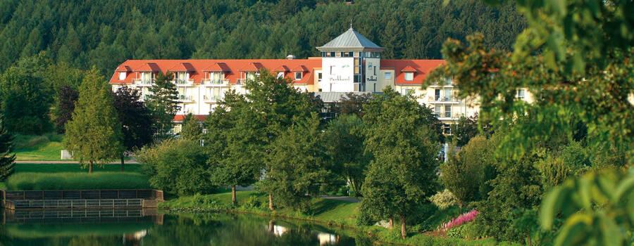 Beispiel: Außenansicht des Hotels, Foto: Parkhotel Weiskirchen.