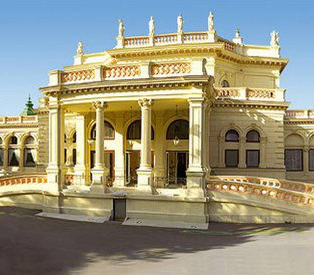 Beispiel: Außenansicht, Foto: Kursalon Wien.