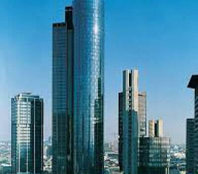 Beispiel: Aussenansicht, Foto: Main Tower Restaurant & Lounge.