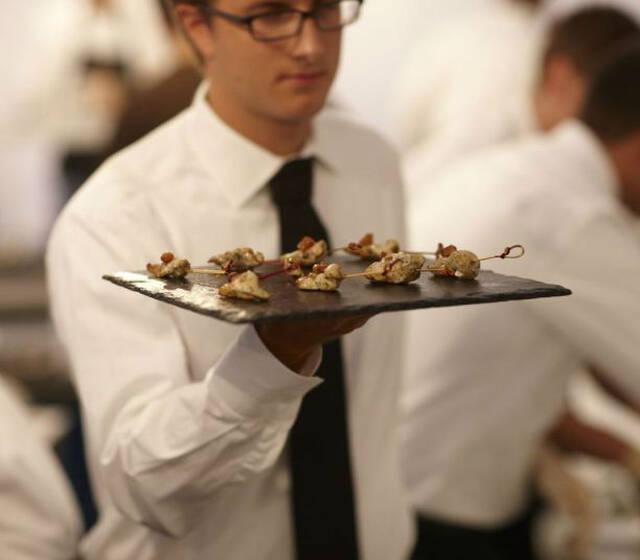Beispiel: Service, Foto: Dahlmann Catering.