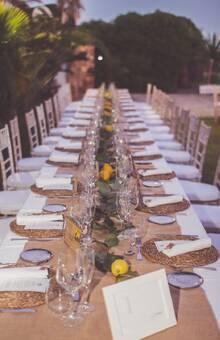 Montajes en mesas alargadas