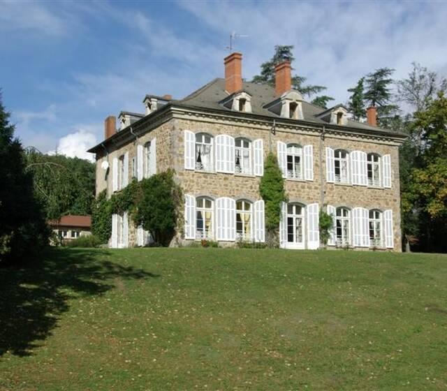 © Château des Gaudras