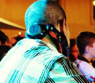 Dj per feste private e wedding party http://www.romadjpianobar.com/weddingdj.aspx
