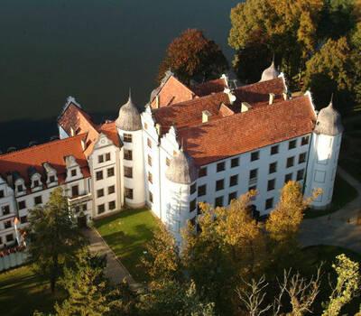 HOTEL PODEWILS ZAMEK W KRAGU