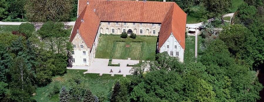 Beispiel: Luftaufnahme, Foto: Kloster Bentlage.