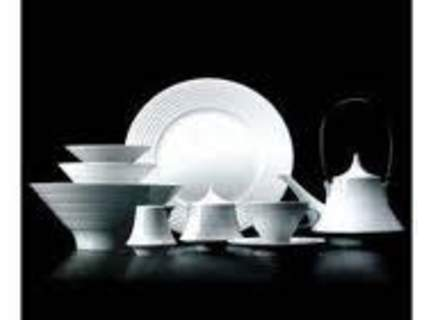Vaisselle en porcelaine - 12 pièces