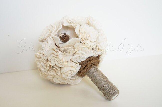 Bukiet z drewna autorstwa Marty Gregorskiej z Groszki i Róże