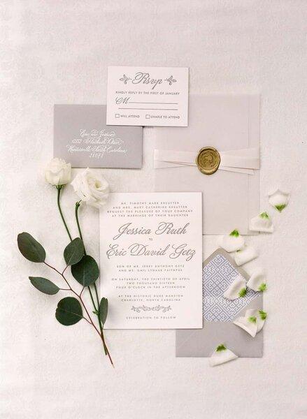 Invitaciones de boda atemporales.