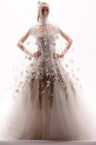 Los 10 vestidos de novia más excéntricos de la alta costura