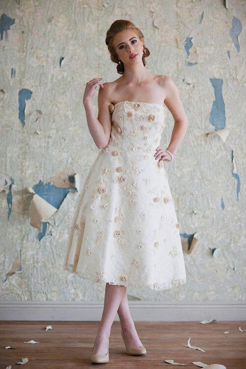 Brautkleider mit langem MIDI: der Glamour der 50er-Jahre!