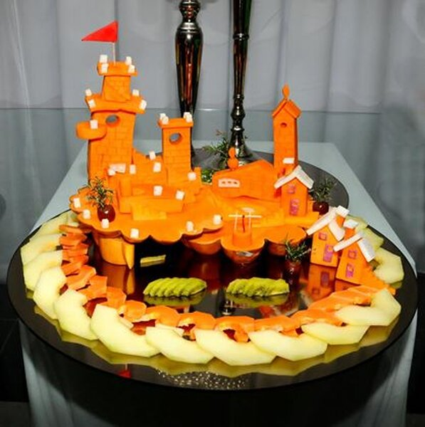 Construa castelos com a fruta no se casamento!